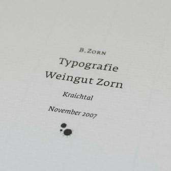 Detail des Schritzuges Typografie Weingut Zorn